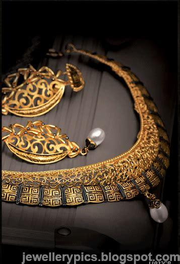 intricate gujarathi gold jewellery sets  tanishq