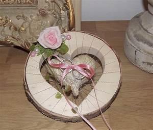 Rose Aus Holz : ringkissen ringhalter herz rund rosa rose f r eheringe hochzeit liebe aus holz florales design ~ Eleganceandgraceweddings.com Haus und Dekorationen