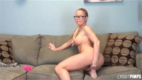 Nikki Delano Masturbates Cunt In Glasses Masturbation Porn