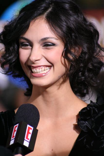 morena baccarin body height weight bra size