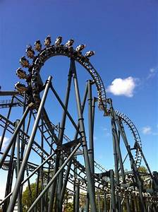 Guy Lights Warner Bros Movie World Theme Park Review 39 S Australia
