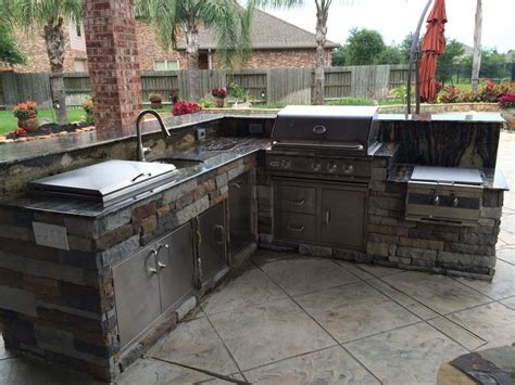 outdoor kitchen  outdoor homescapes  houston