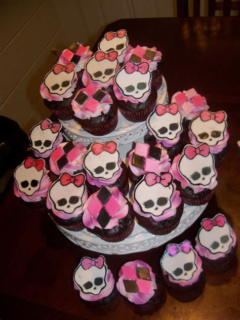 Debbies Cakes And Sweets Monster High Birthday