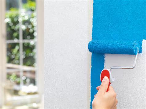 wände streichen ohne rolle saubere farbkanten beim streichen diy academy