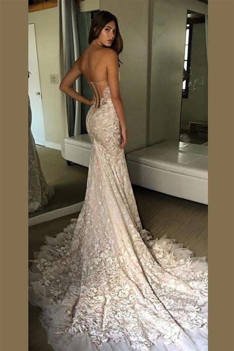 sweetheart strapless open  wedding dresssweep train