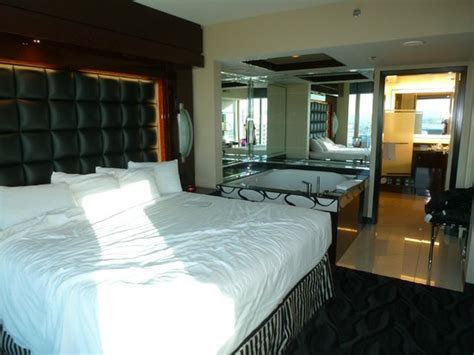 floor plan picture of elara by hilton grand vacations