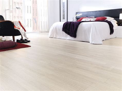 White Oak Laminate Flooring For Modern Master Bedroom Leather Desk Chairs White Dining Set Of 4 Office Chair With Lumbar Support Dorm Bed Fit Ball Repair Parts Kids Table And For Sciatica Pain