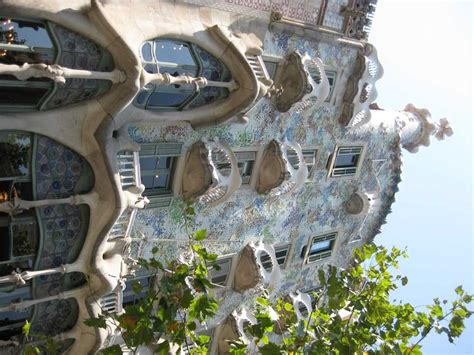 casa batlo gaudi building barcelona  architect
