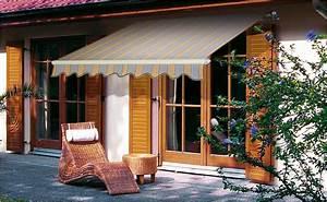 Welche markise ist die richtige von hornbach for Markise balkon mit holz tapete selbstklebend
