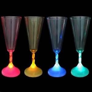 Verre A Champagne : flute a champagne led ~ Teatrodelosmanantiales.com Idées de Décoration