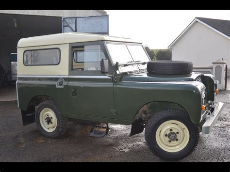 land rover defender  sale classic cars  sale uk
