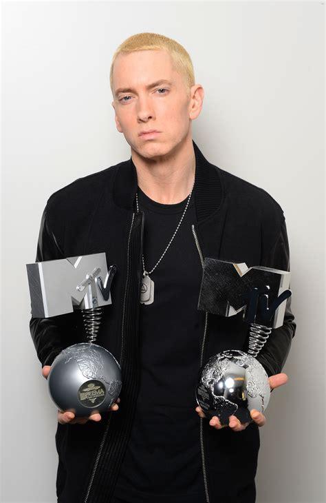 Justin Bieber Hd Wallpapers Mtv Ema 39 S 2013 Eminem Dressing Room Exclusive Metro Uk