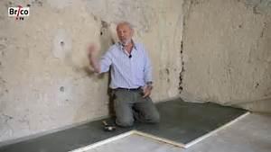 Isolation Sous Carrelage : poser un plancher isolant thermique tuto bricolage de ~ Melissatoandfro.com Idées de Décoration