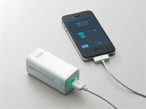 iphone battery pack charge your iphone with this aa battery pack macgasm