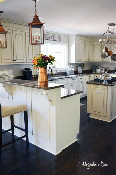 black country kitchen 1000 ideas about white cabinets on eat in 1675