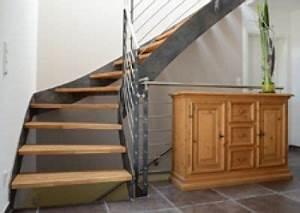 Stahltreppe Mit Holzstufen : wangentreppe 12 0 von spitzbart treppen treppe designtreppe stahltreppe stahl pur ~ Orissabook.com Haus und Dekorationen