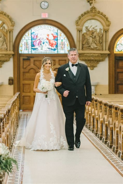 The distance you'll have to cover, and the length and tempo of your song are key factors. 1001+ ideas for best songs to walk down the aisle to