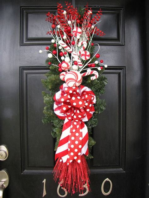 christmas wreath red  white front door swagwreath