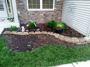 Kleine Gärten Gestalten Beispiele : kleinen garten geschmackvoll gestalten grass und steinen vorgartengestaltung beispiele ~ Whattoseeinmadrid.com Haus und Dekorationen