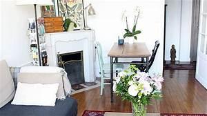 amenager un petit salon conseils plans decoration With comment meubler un petit studio 16 tout pour votre chambre mansardee en photos et videos