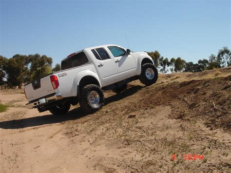 lifted 2006 nissan frontier pictures w leveling kit or lift kit in 2nd generation