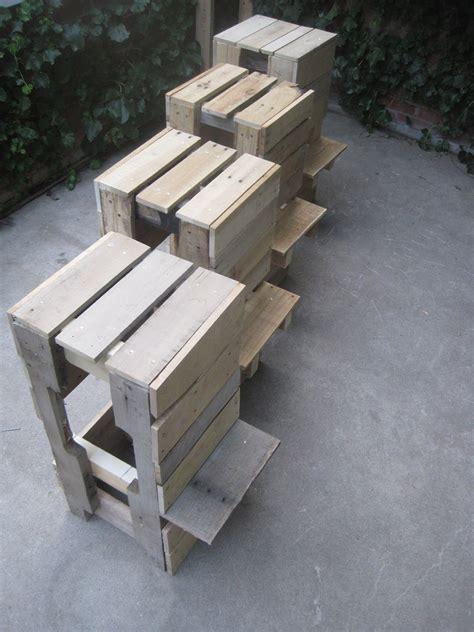 stuhl aus europaletten kreative palettenm 246 bel selbstgebaute st 252 hle und sessel