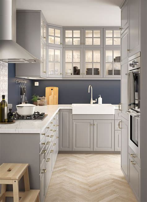 bodbyn  marble  shaped kitchen  traditional wall