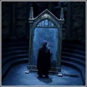 Harry Potter Spiegel : spiegel van neregeb zweinstein wizardzone artikelen articles wizardzone ~ Watch28wear.com Haus und Dekorationen