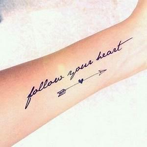 Hand Tattoos Schrift : die besten 25 tattoo schrift ideen auf pinterest polizei tattoo schriftarten tattoo und ~ Frokenaadalensverden.com Haus und Dekorationen
