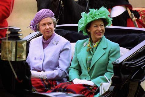 Finden sie jetzt antworten mit 8 buchstaben. SwashVillage | Königin Elizabeth II und Prinzessin ...