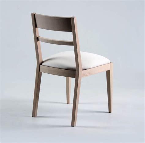 chaise en bois massif chaise contemporaine en bois brin d 39 ouest