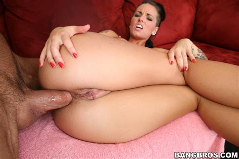Sexy Christy Mack Lets A Dude Fuck Her In The Ass Pichunter