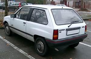 Opel Corsa A : file opel corsa rear wikimedia commons ~ Medecine-chirurgie-esthetiques.com Avis de Voitures