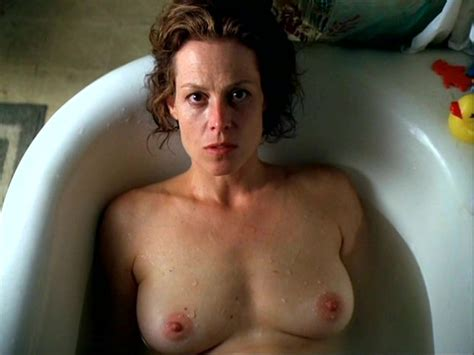 Nude Video Celebs Sigourney Weaver Nude A Map Of The World