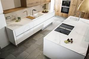 Küchenarbeitsplatte Keramik Preis : inselk che mit heller keramik arbeitsplatte estatuario ~ Frokenaadalensverden.com Haus und Dekorationen