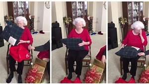 Weihnachtsgeschenk 2 Jährige : sie bricht in tr nen aus enkelin macht oma das sch nste geschenk ~ Frokenaadalensverden.com Haus und Dekorationen