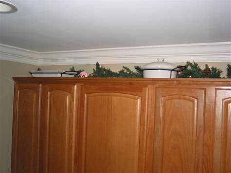 ideas for on top of kitchen cabinets cabinet tops imagine that interior decorating