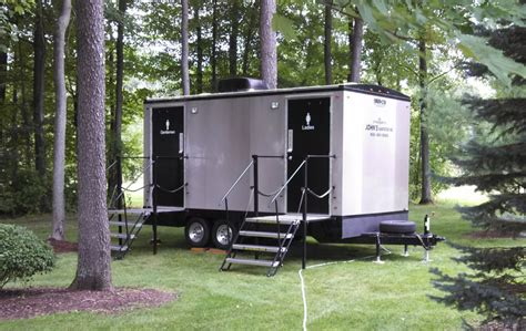 executive restroom trailers portable toliet trailers