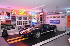 garage-flooring-ideas-Garage-And-Shed-Traditional-with