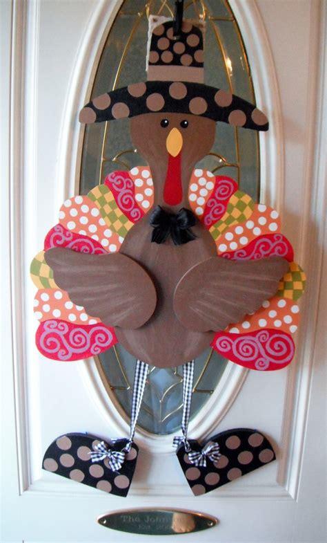 turkey door hanger painted    wooden door hangers