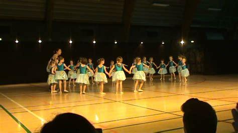 dans optreden kleuter  youtube