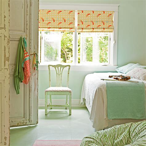 create a cozy cottage use color in small contained doses
