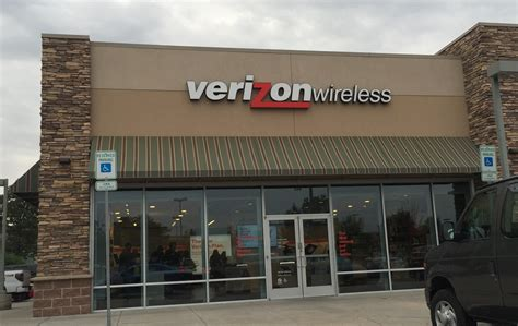 Verizon to continue shrinking workforce with new early ...