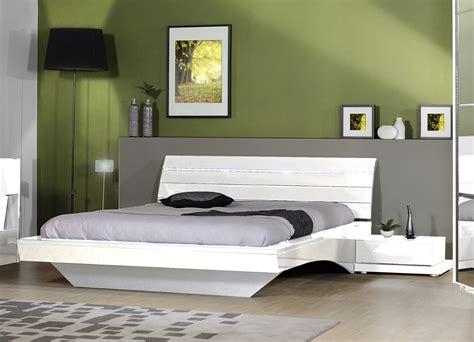 chambre laqué blanc lit blanc laque