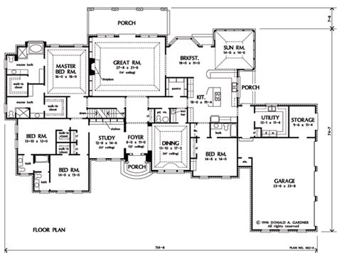 One Story House Plans With Large Kitchens by One Story Plan With Possibilities I Like The Kitchen With