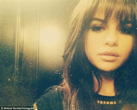 Selena Gomez Debuts New Fringe Haircut On Instagram Before Joining On-again Beau Justin Bieber What Makeup Suits Brown Hair And Blue Eyes Natural Half Wigs Curly Can You Dye Red Over Dyed Black Pictures Of Short Hairstyles For A Fat Face Indian Bridal Hairstyle Blonde Be Extra Large Hot Rollers Long Buns With Saree