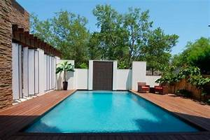Outdoor pool area - Modern - Pool - Houston - by gin