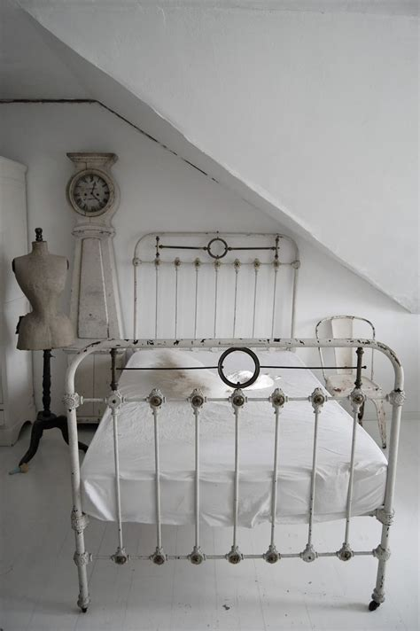 Vintage Iron Bed by The Of An Antique Iron Bed Frame Lost Found
