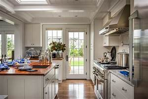 Photo page hgtv for Kitchen colors with white cabinets with sliding glass door stickers