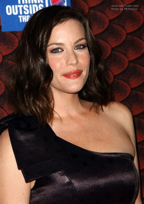 liv tyler medium length hairstyle cut   shoulder